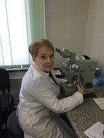 Експерти ХНДІСЕ проводять експертизу хутряних виробів